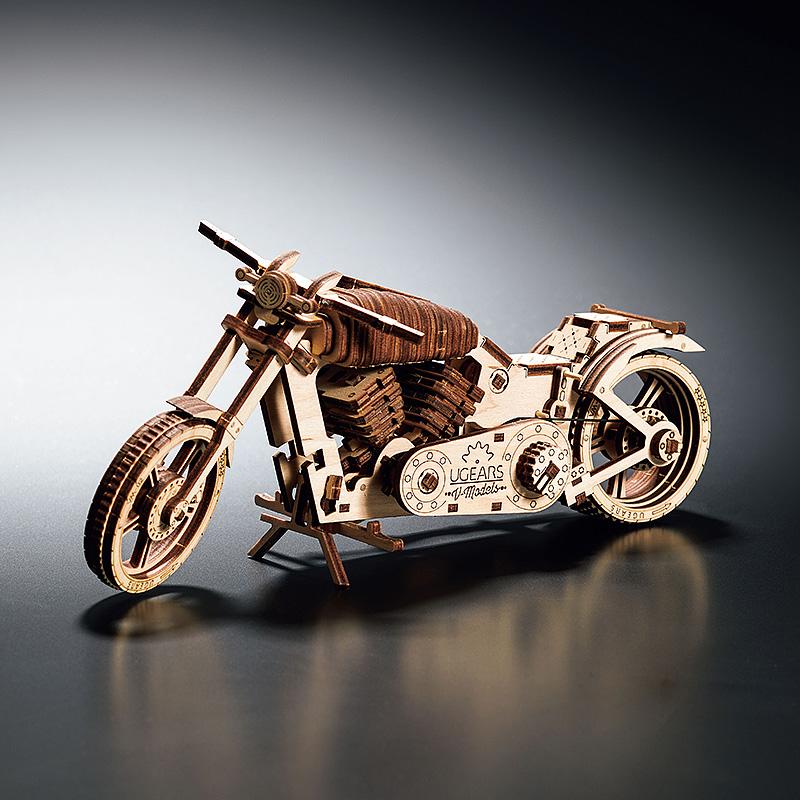 組み立てて遊べる木製キット・動くバイク(ウクライナ・ユーギアーズ)(週刊新潮DM紹介)